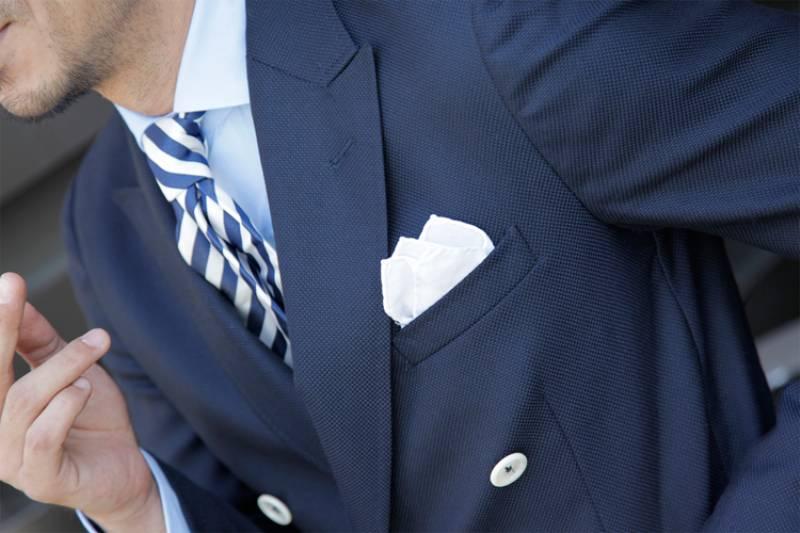 la pochette come e quando indossarla