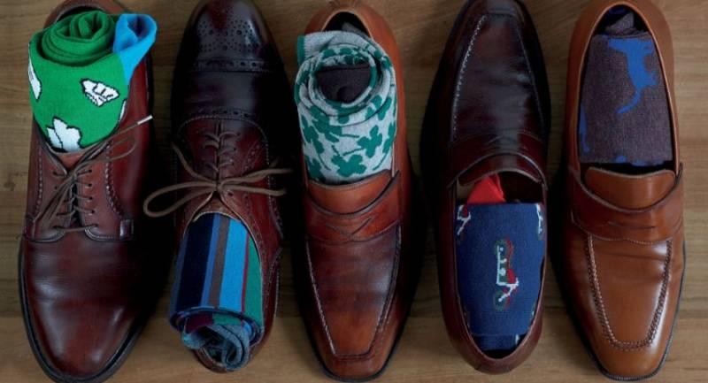 le 3 regole su come abbinare le calze da uomo